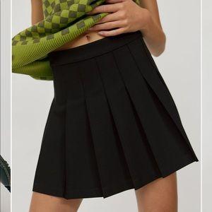 Aritzia sunday's best Olive skirt